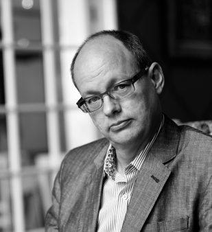 Frank Dikötter portrait image